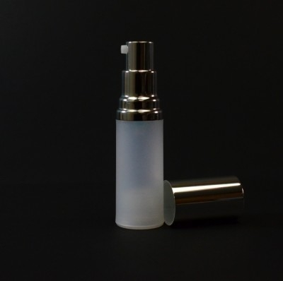 15 ml Airless Frosted Bottle Shiny Silver Pump and Hood PP